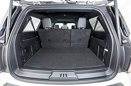 2018-Ford-Expedition-Max-cargo-01.jpg