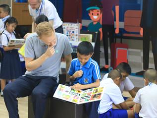 วิธีการสอนภาษาอังกฤษที่จะช่วยให้นักเรียนสามารถสื่อสารได้และทำคะแนนสอบได้ด้วย? มีจริงหรือ?