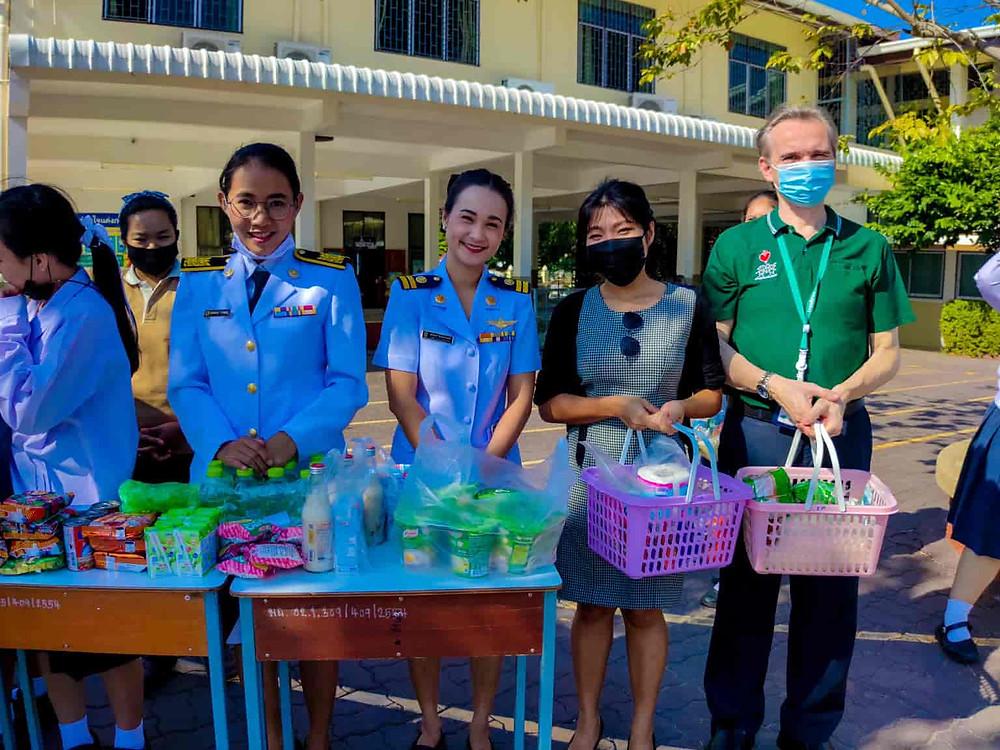 ครูต่างชาติ โรงเรียนไทย