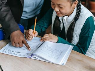 นักเรียนไทยเรียนภาษาอังกฤษในห้องเรียนน้อยไปจึงยังพูดไม่ได้? จริงหรือ?