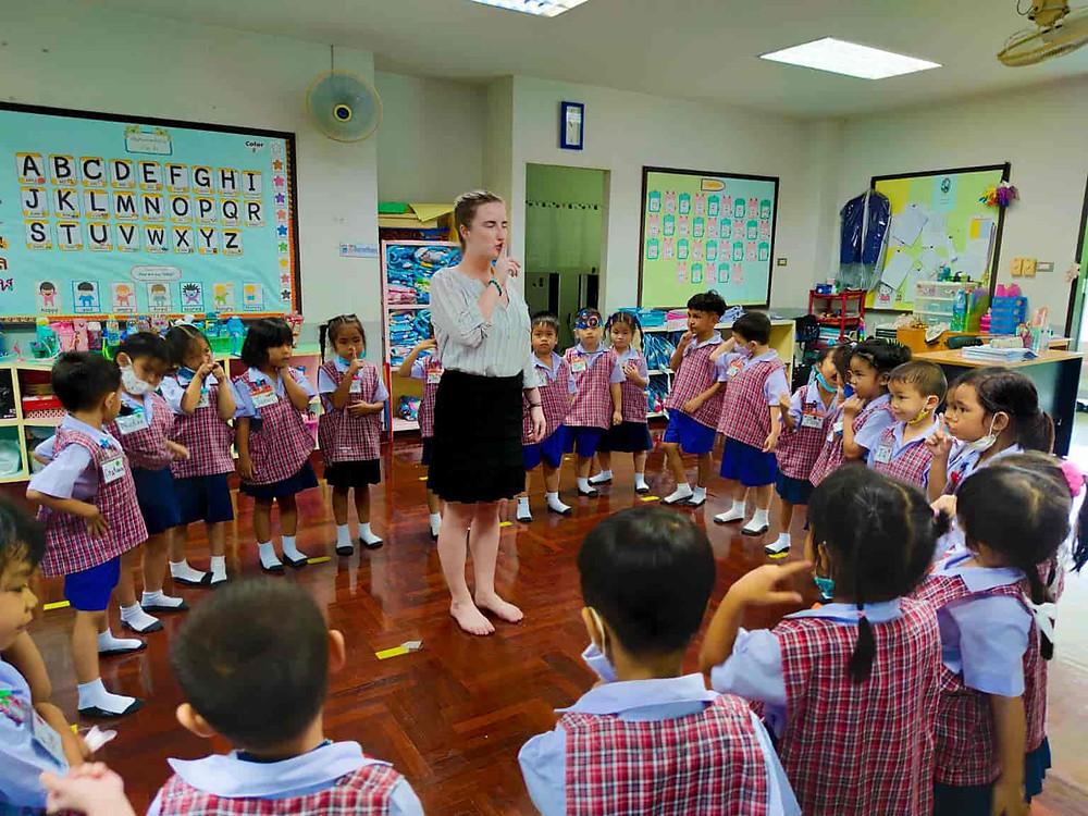 ครูต่างชาติ non-b visa