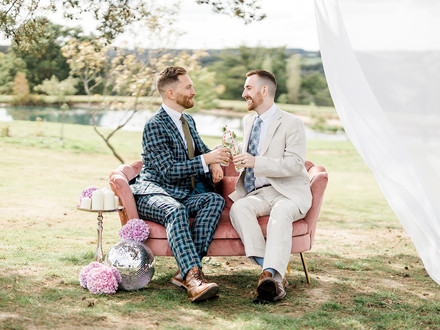 Flowers/Styling and planning Hire Societies