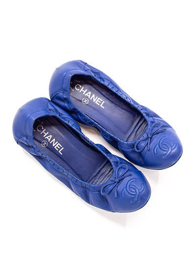 CHANEL Flat Shoes with Interlocking CC (Size 39.5)