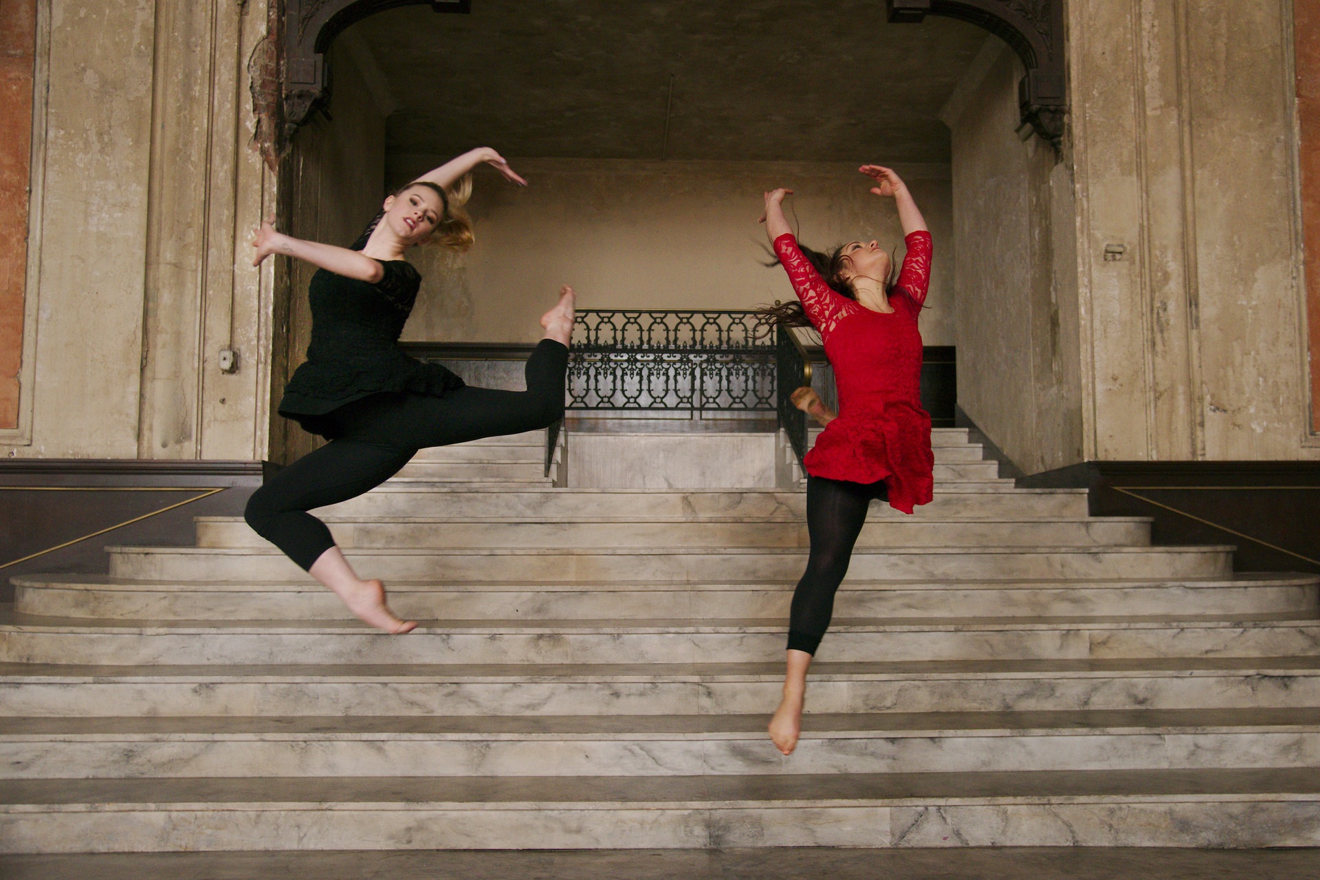 Margot Hodenfield and Fredrika Keefer of Alayo Dance Company by Andy Mogg