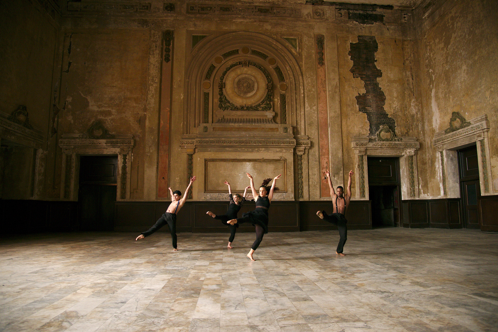 (left to right) Adonis Martin Quiñones, Margot Hodenfield,Fredrika Keefer and Delvis Savigne Friñon of Alayo Dance Company by Andy Mogg