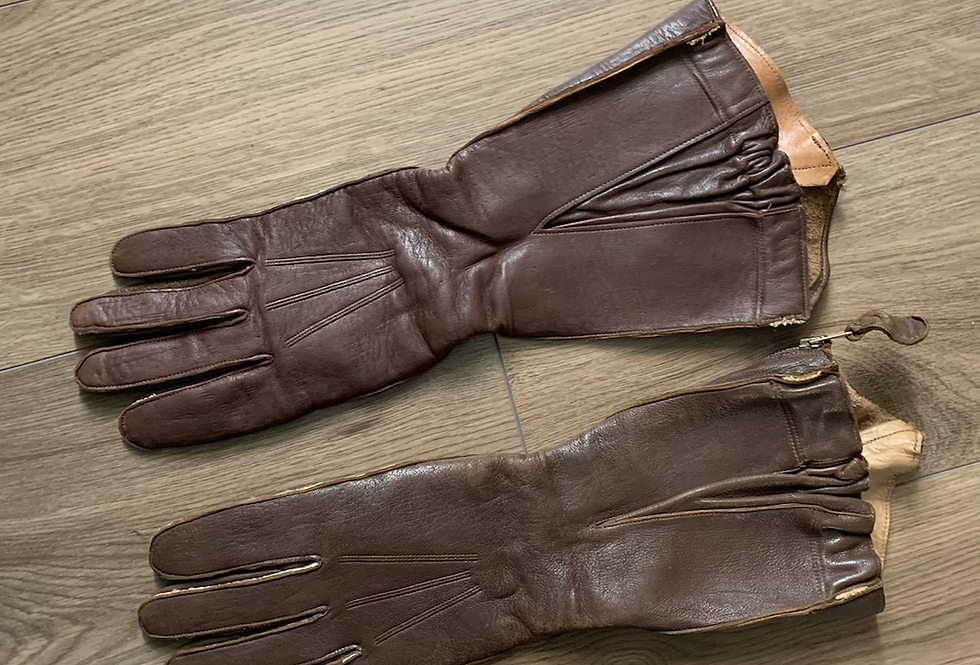 Air Ministry 1941 pattern Gauntlets.