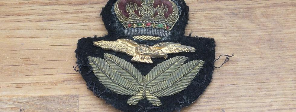 RAF officers Cap badge QC