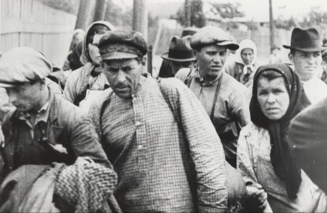 Romanian refugees from Bessarabia (fallen under Soviet rule)