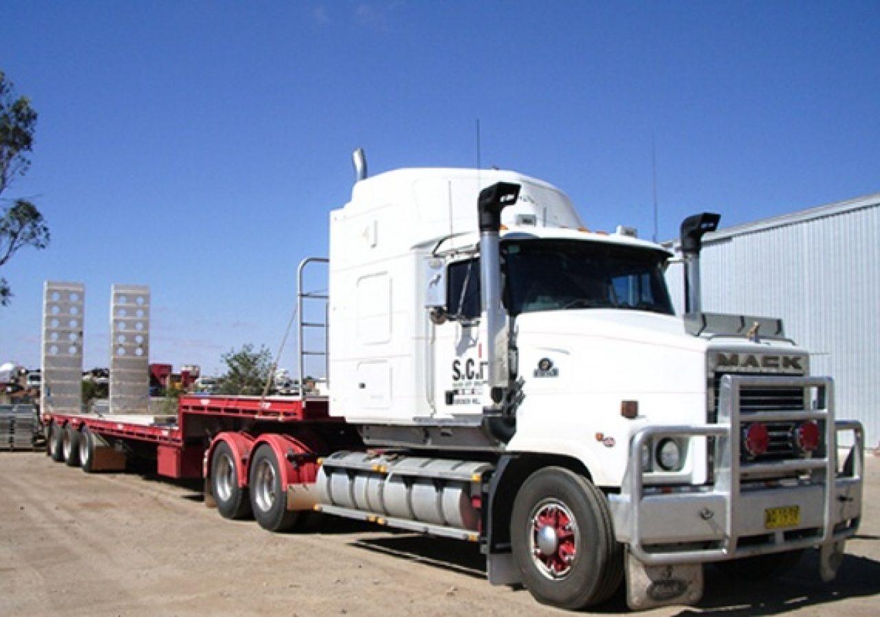 Mack_truck_800