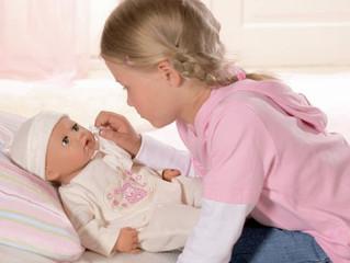 Вопрос: Моя дочка до 5 лет не интересовалась куклами, игрушечные малыши так и остались невостребован