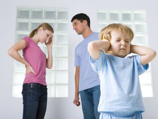 Вопрос:  У приятеля моего 5-летнего сына развелись родители, и сынишка теперь постоянно задает мне