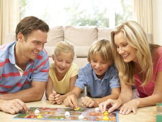 Экстренная помощь:что делать родителям, если ребенок не умеет проигрывать?