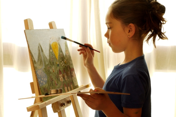 girl-painting-easel.jpg