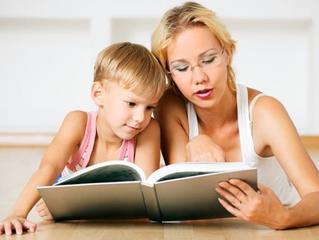 Вопрос: Нашей дочке пять с половиной лет, она уже умеет читать, но очень ленится. Я прошу ее читать