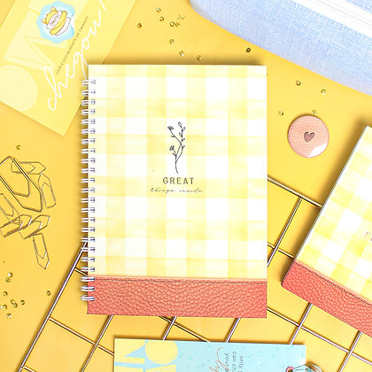 Kit Caderno Great, Bloco, Estojo Maxi azul e kit buttons Infalíveis
