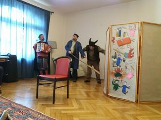 Vystoupení divadla UJETO