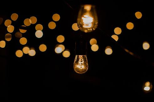 light-bulb-9AJ5R49.jpg