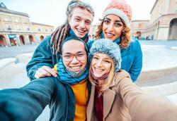 group-of-friends-taking-a-selfie-W73FG45