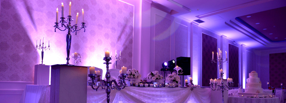 Climactic Entertainment offers wedding dj services in Wilmington NC that offer event uplighting.