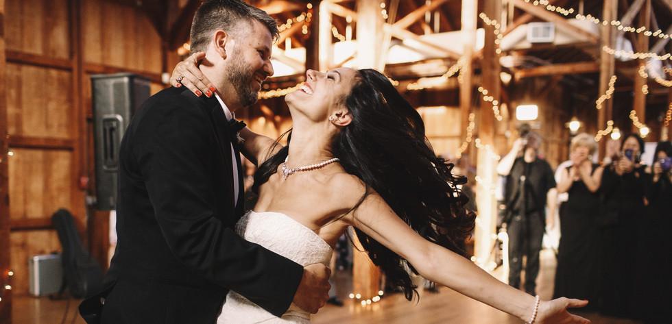 Wedding DJ Service in Wilmington NC offering an affordable wedding dj.