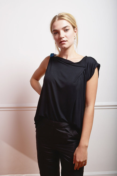 Top with Sequins detail in black or navy