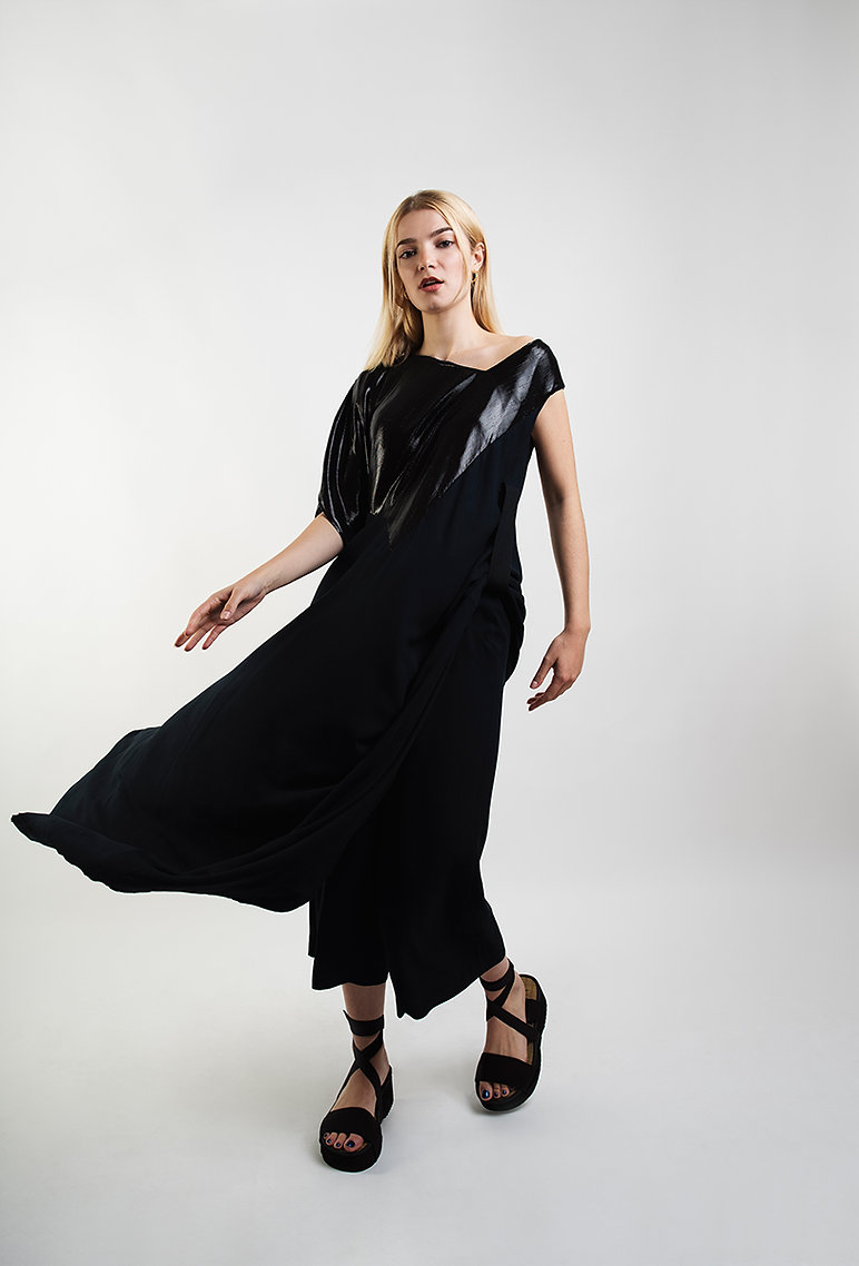 Conni-Kaminski-black-long-silk-dress-bru
