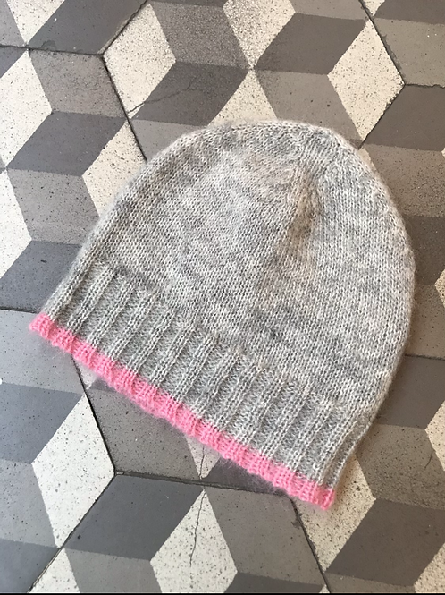 Bonnet in Mohair in Grey/Pink