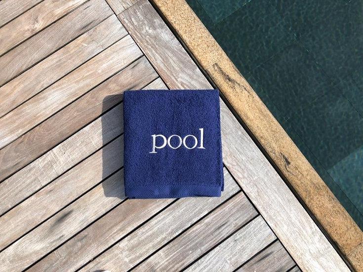 POOL - Serviette de bain - marine/broderie beige