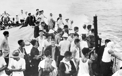 Chinese labours being evacuated from Ocean Island by Le Triomphant