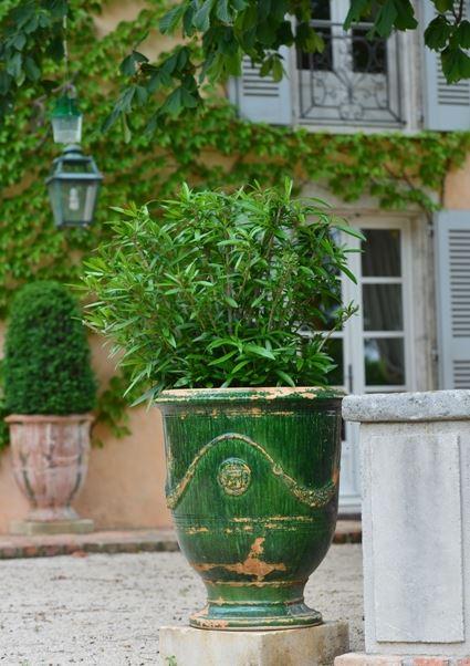Anduze Pot Deep Green, weathered
