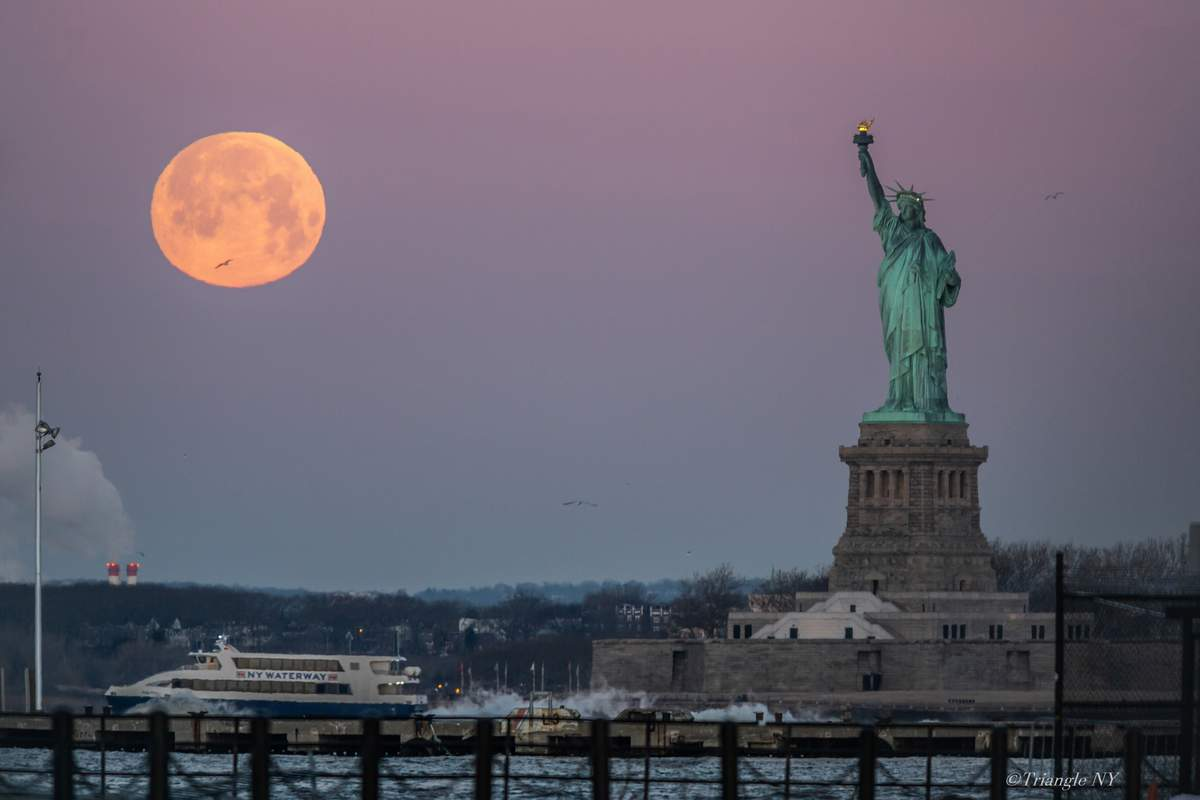 Super Moon Trifecta Set in Feb 2019