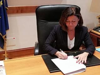 CORONAVIRUS – La Ministra De Micheli firma la proroga di validità di CQC, patentino ADR e permessi g