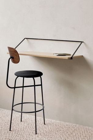 Bedroom desk .jpg