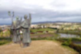 Pilgrim-monument-at-Monte-do-Gozo-©Turis