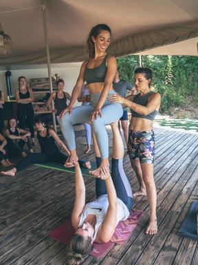 Partner & Acro Yoga