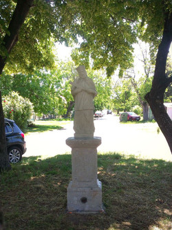 Rekonštrukcia sochy, podstavca