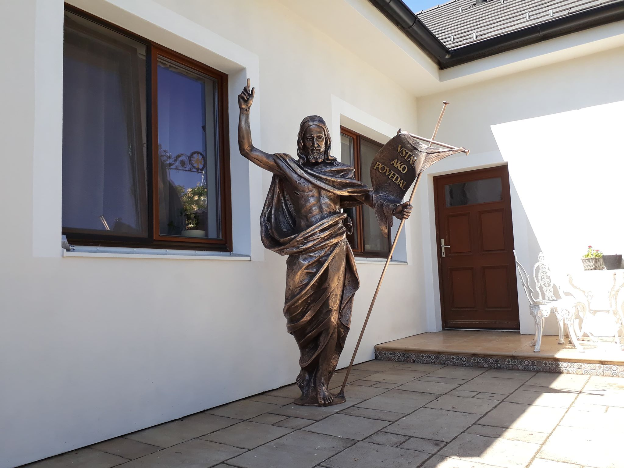 Bronzová socha Krista