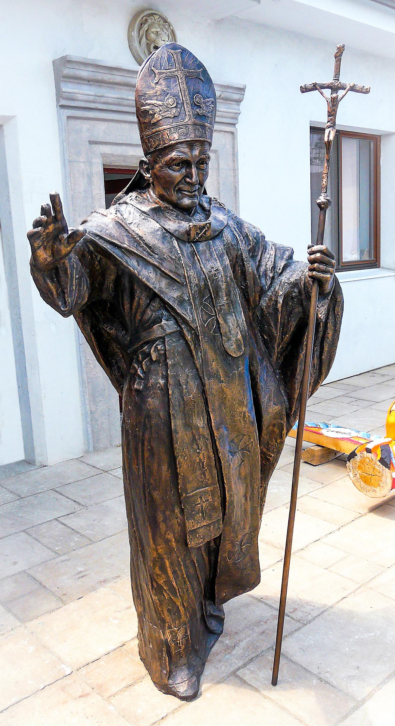 J. Pavol II.