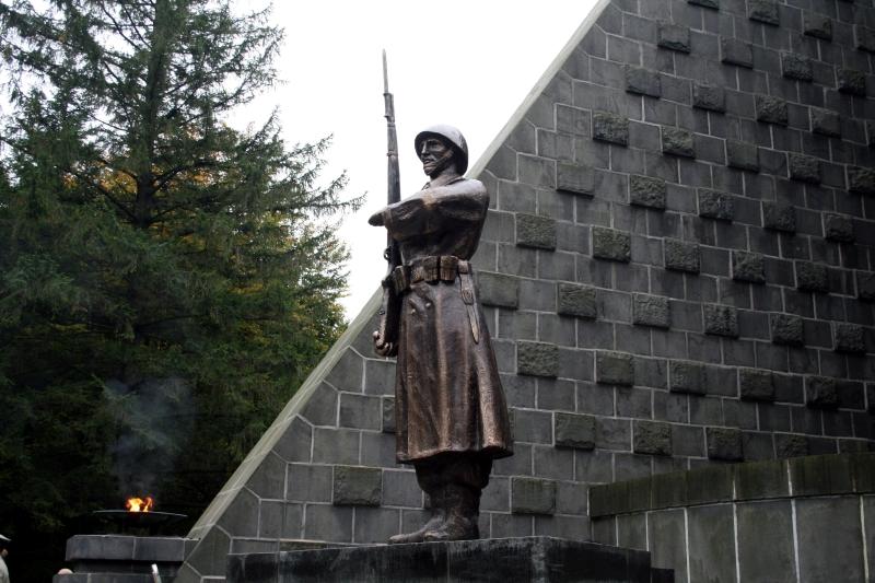 Socha československeho vojaka,Dukla.