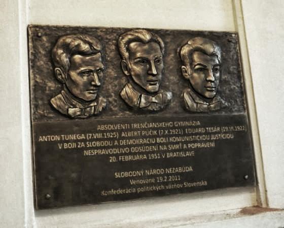 Pamatná tabula, Trenčín.