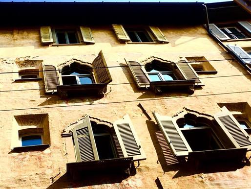 Perdersi in Città Alta: Piazza Angelini