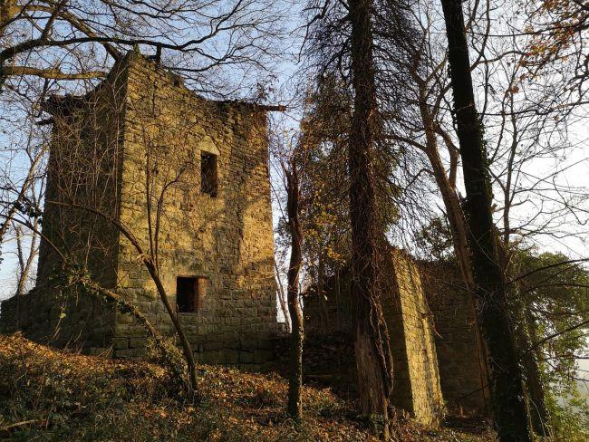 Torre castello dell'allegrezza Astino bergamo