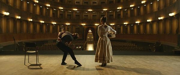 Io, Arlecchino, la scena presso il Teatro Sociale di Bergamo