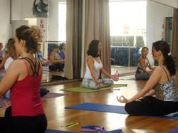 Curso de Yoga - Camila Reitz