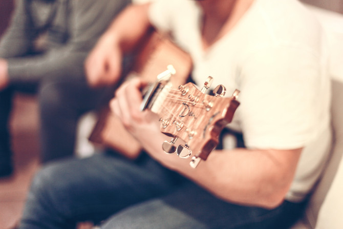 יצירת השונה בתוך המוכר - טיפול במוזיקה בילדים עם אוטיזם