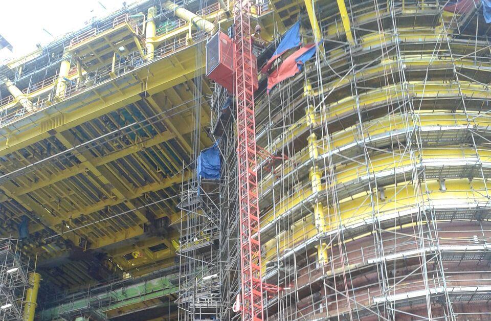 Passenger Hoist @ Oil Rig Construction