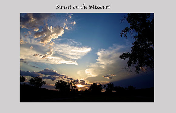 Eastern Montana sunset. clouds, clear air, blue sky, along the Missouri river