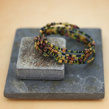 Memory wire beaded bracelet in earthtones by Traci Staves