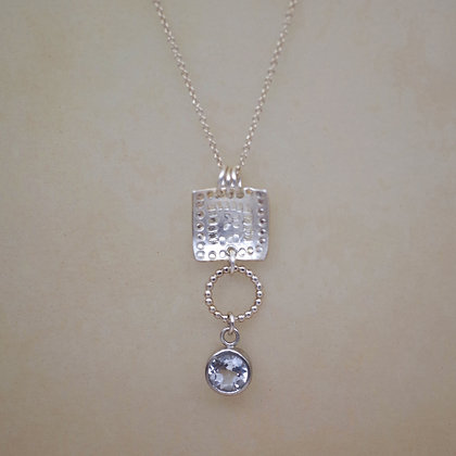 sterlimg silver necklace with zircon