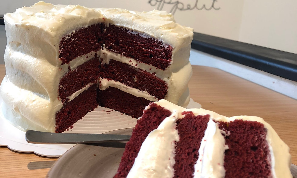 Red Velvet Mascarpone +White Chocolate Cake